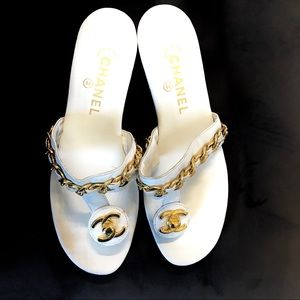 Chanel White Thong Sandal - Vintage -AUTHENTIC